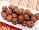 Рецепта Свежи какаови бонбони с фурми, стафиди, овесени ядки и орехи